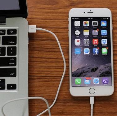Kết nối iPhone vào máy tính Mac qua cáp USB