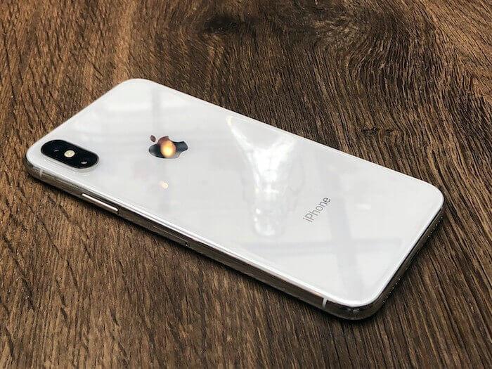 hinh 12 dat iphone up man hinh xuong