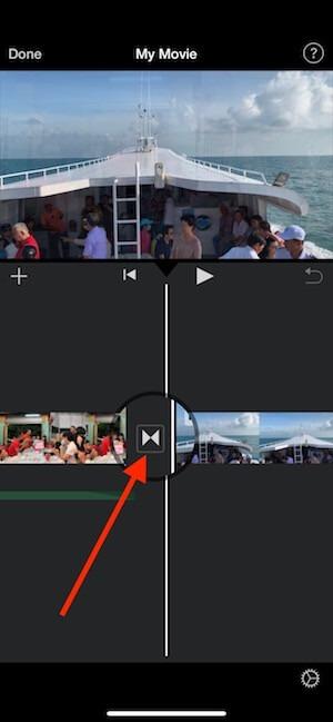 26 cham vao bieu tuong o giua 2 video