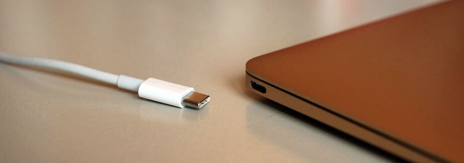trên máy tính Mac chỉ trang bị di nhất cổng giao tiếp USB-C/Thunderbolt