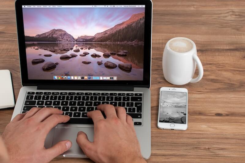 Thêm cổng giao tiếp cho máy tính MacBook
